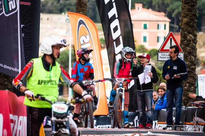 Экипировка: Из цикла Их нравы - про ION в Италии
