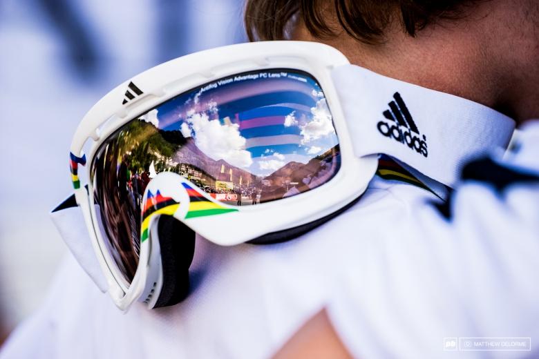 Zhirnova: Три полоски или немного об оптике Adidas