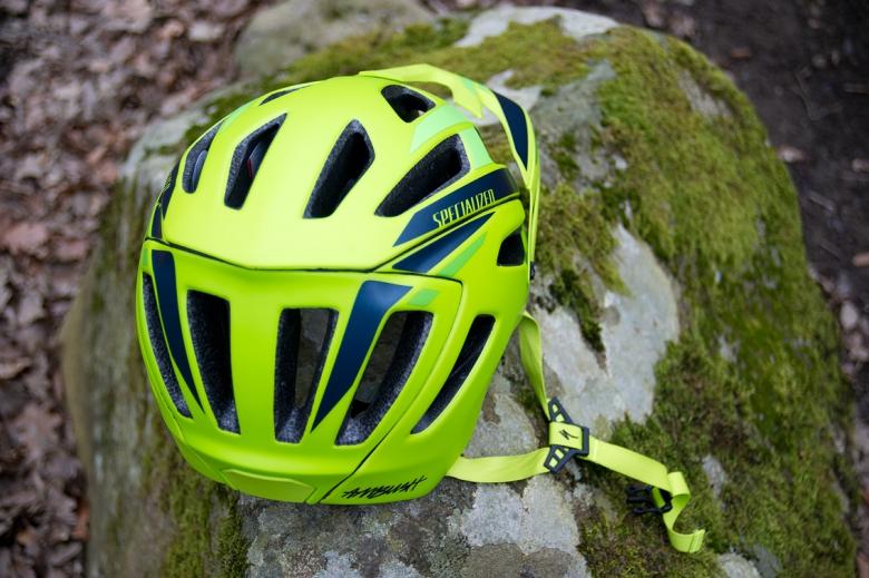 Экипировка: Ambush - шлем для эндуро.
