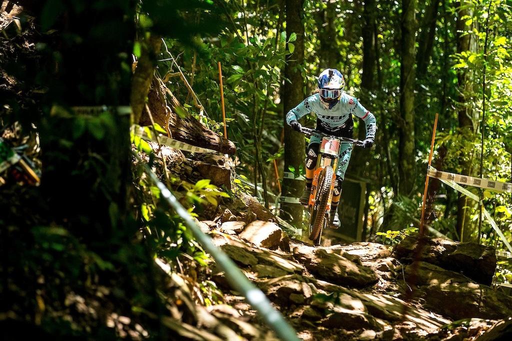 World events: Rachel Atherton выбывает из чемпионата
