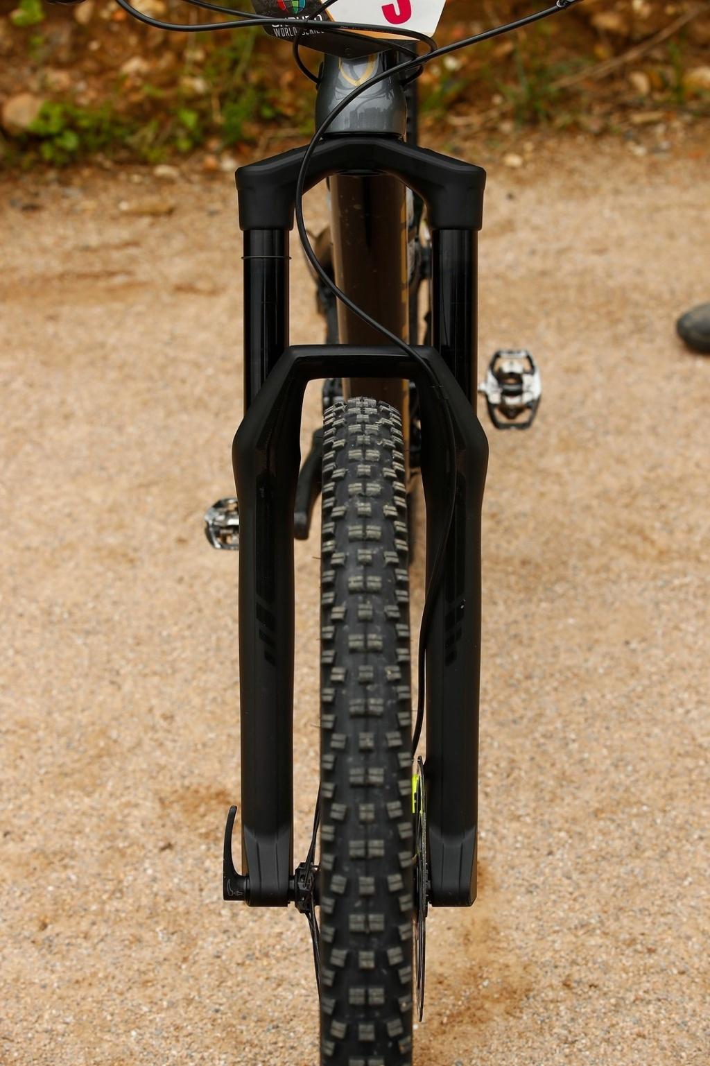 Новое железо: Прототип новой вилки от DT Swiss