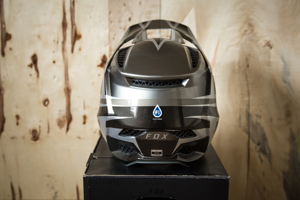 Новое железо: Обновлённый шлем Rampage Pro Carbon от FOX