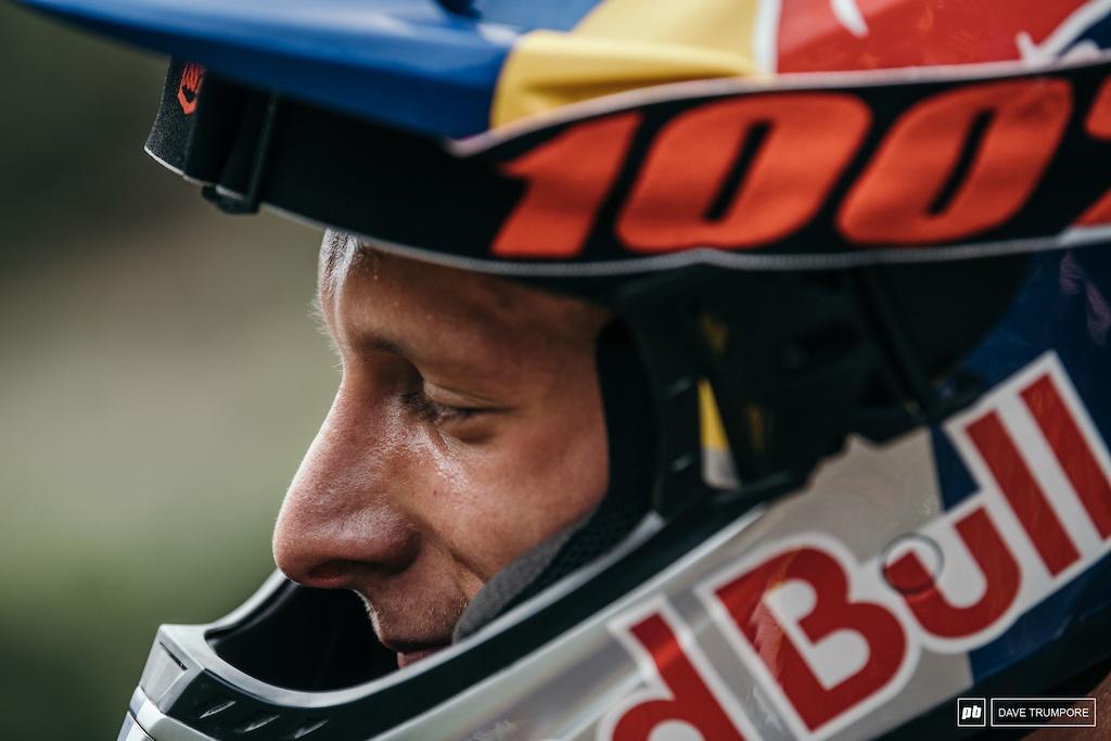 Профайлы и интервью: Мартин Маес выбывает из гонок до августа