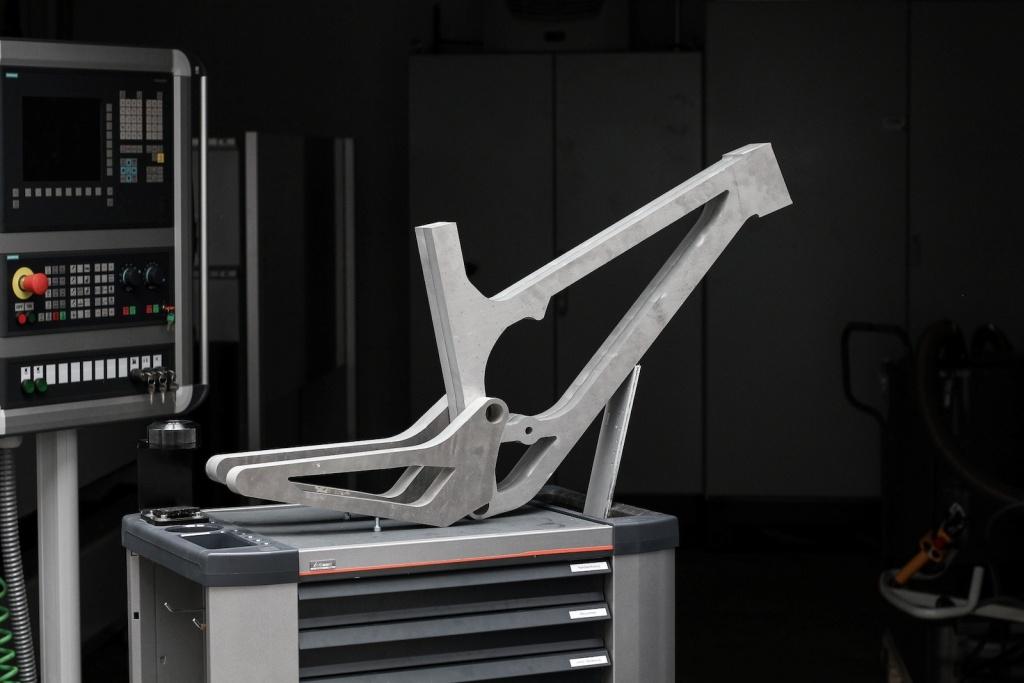 Новое железо: Алюминиевая фрезерованная рама от Actofive