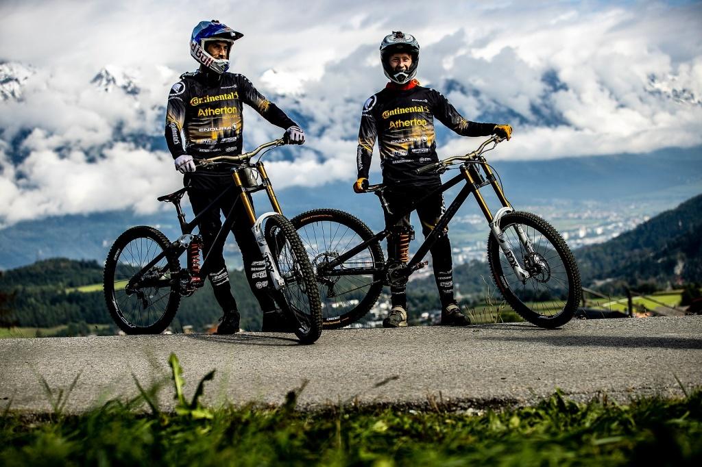 World events: Интересности из боксов Crankworx Innsbruck + 2 превью трассы