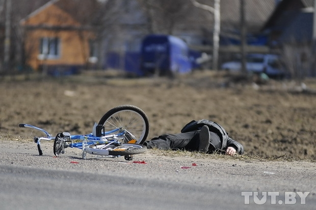Личный блог: Из 186 водителей, проезжавших мимо сбитого велосипедиста, остановились девять