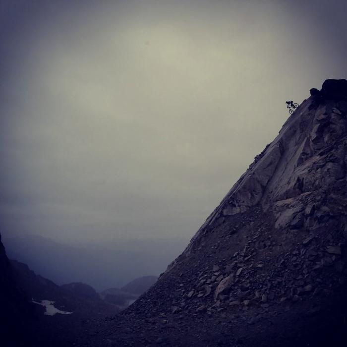 Логово небольшого котейки: Remy Metailler покоряет скалы