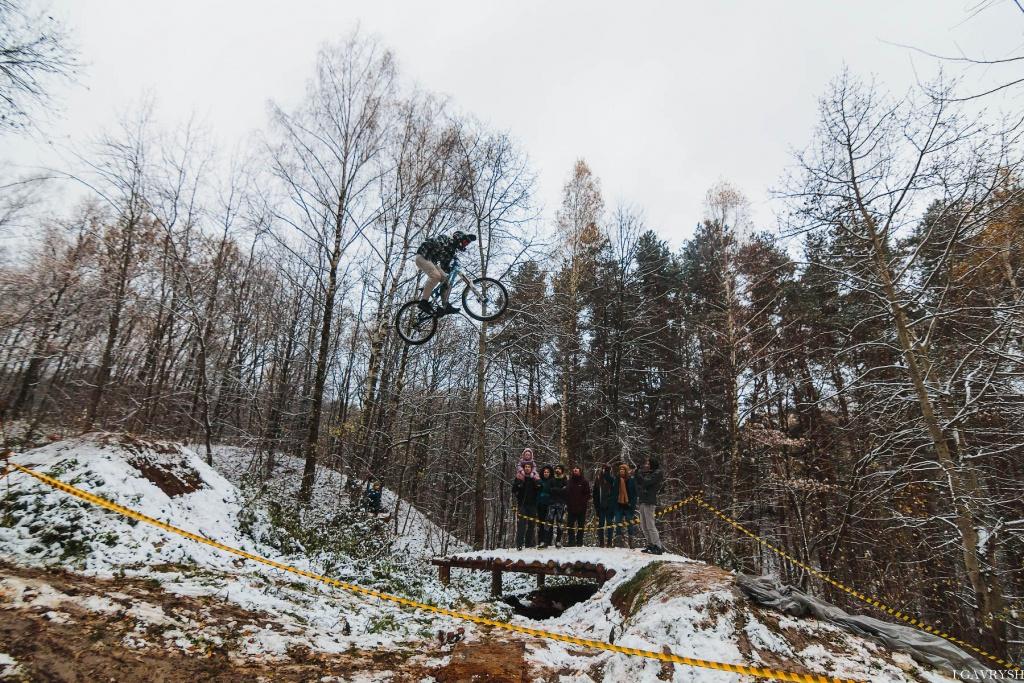 Логово панды: Прыгающие велосипедисты
