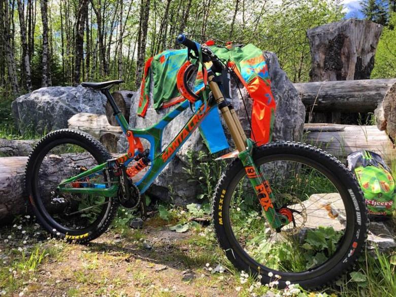 Блог компании Велоимперия: Новая Рама Steve Peat'а, велосипед Николая Валуева и рама Santa Cruz Highboll 27.5 со скидкой 50-70%