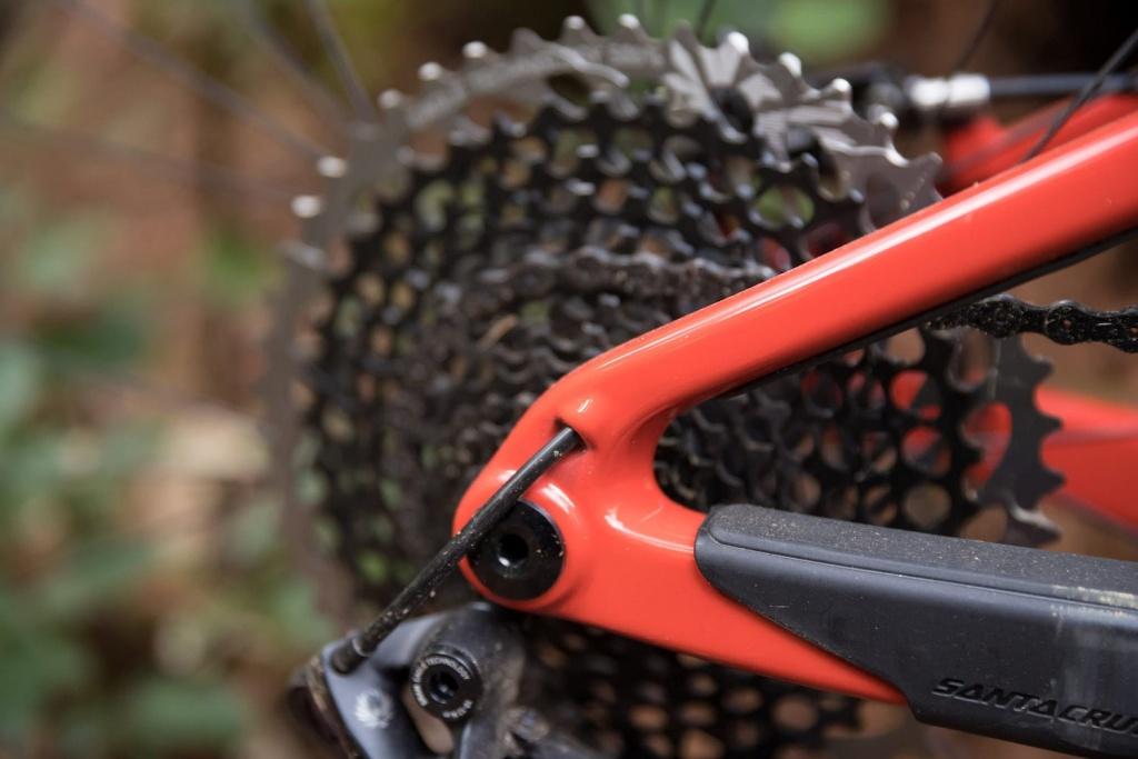 Блог компании Велоимперия: Обновление Blur - самого мелкоходного подвеса Santa Cruz + немного инсайдерской информации в конце.