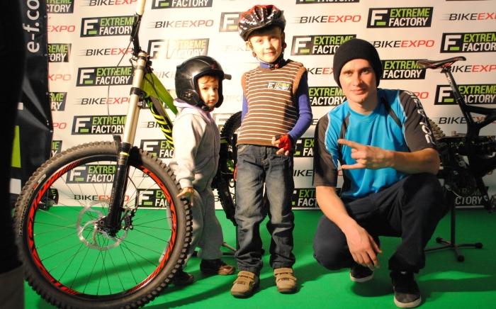 extremefactory_pro_team: фоторепортаж с БайкЭкспо 2014, Киев