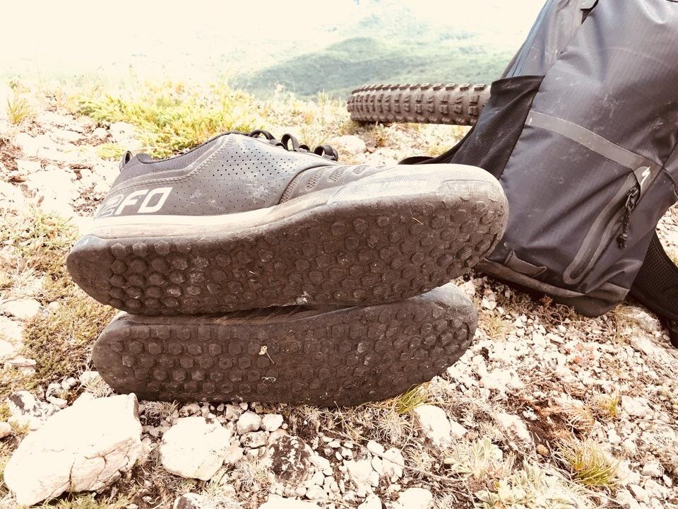 Ride1.Crimea: Сравнительная характеристика новой обуви 2FO Flat 1.0 и 2.0 от Specialized.