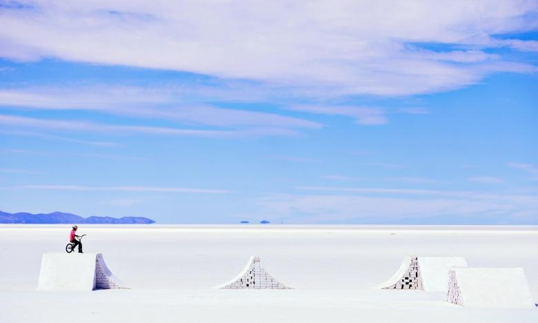BMX: Daniel Dhers на соляном озере в Боливии