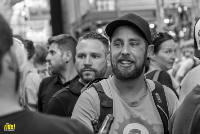 Велоиндустрия: Чёрно-белое веселье