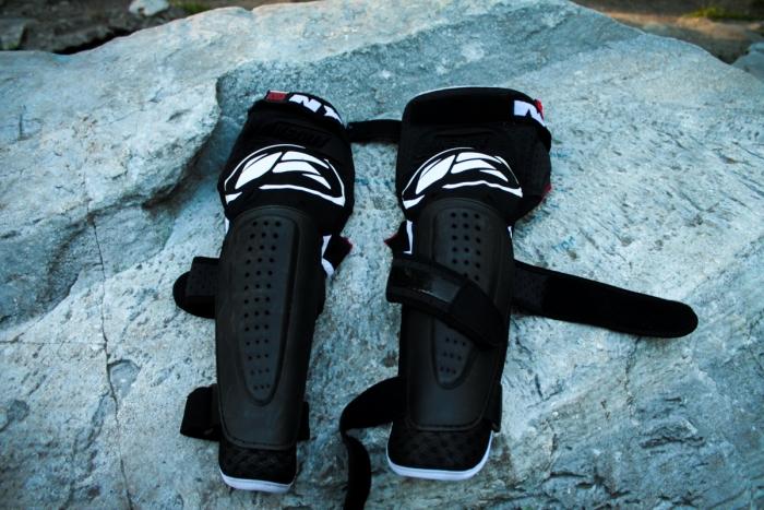 DISCO: Kenny Racing: обзор локтей, наколенников и колено-голени