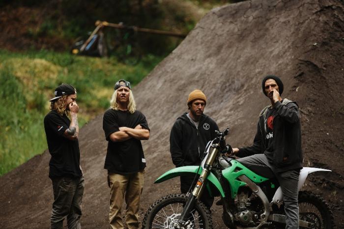 Блог компании AlienBike.ru: Downhill vs Enduro: Let's mortal combat begin!