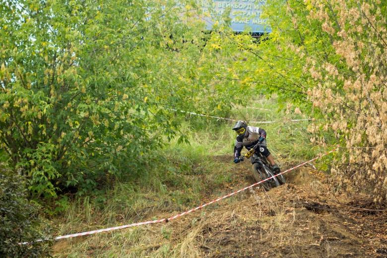 Блог им. Dustman: Любители ДХ гоняют в Дзержинском, а не смотрят ЧМ по телевизору.