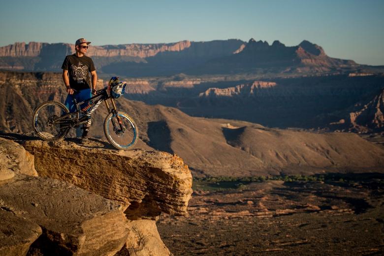 CANYON Bikes: CANYON FACTORY FREERIDE TEAM на Redbull Rampage 2015