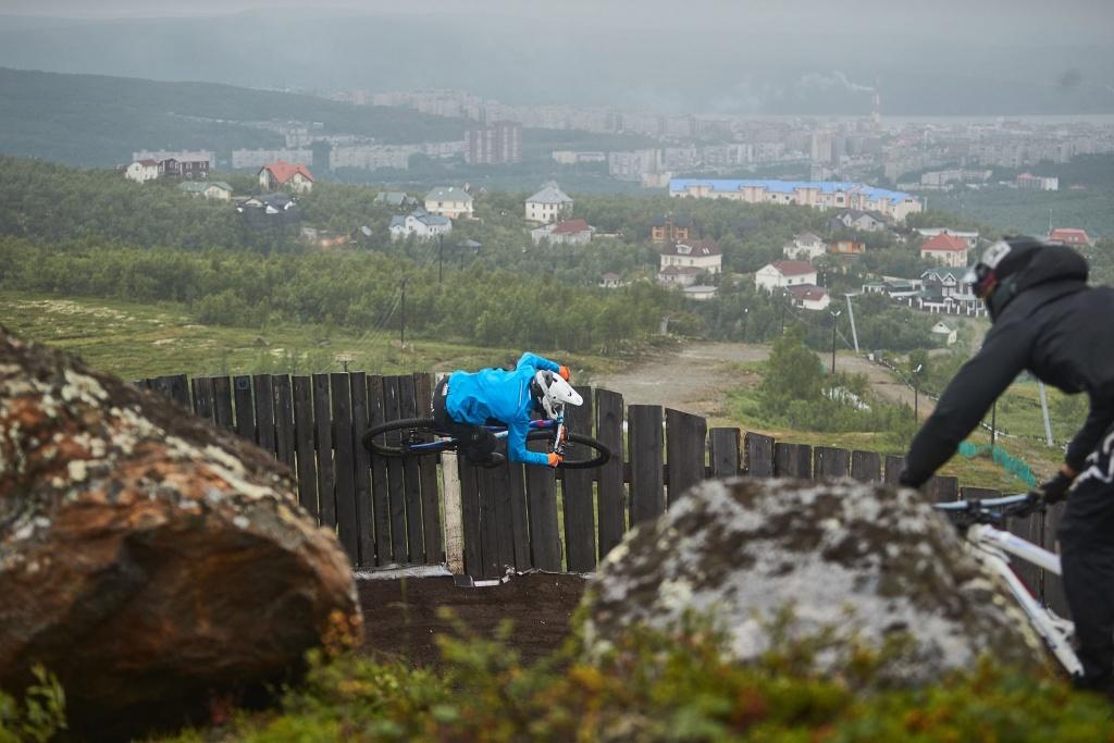 Места катания: Чехи в Мурманске или ZAM8: Путешествие на Кольский полуостров
