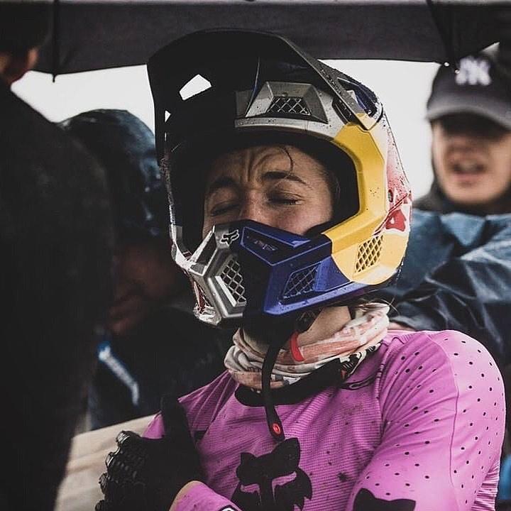 CANYON Bikes: Серьезная травма Тани Сигрейв