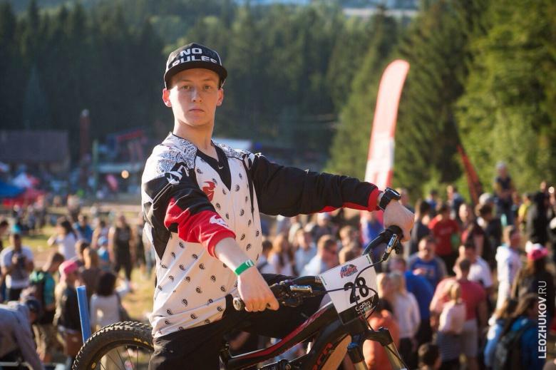 #Borsch: Топовые новости от посредственного гонщика