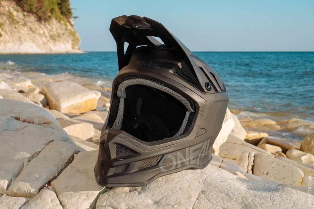 Блог им. EvgenBochanskiy: Обзор экипировки O'Neal | Часть 1. Шлема и маска