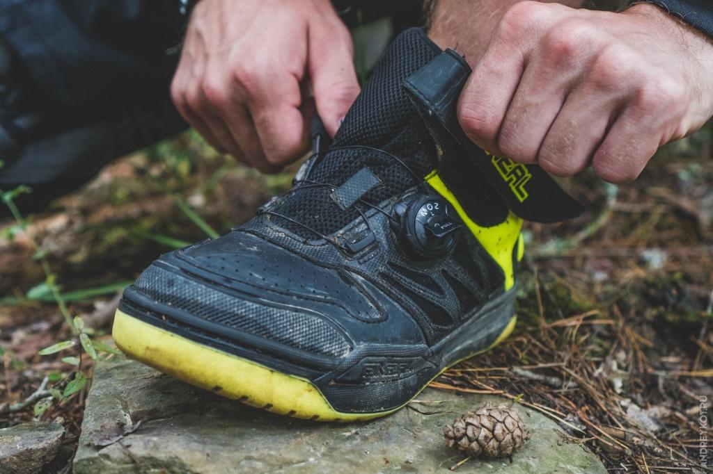 Блог им. EvgenBochanskiy: Обзор экипировки O'Neal | Часть 3. Дождевик, контактная обувь и перчатки.