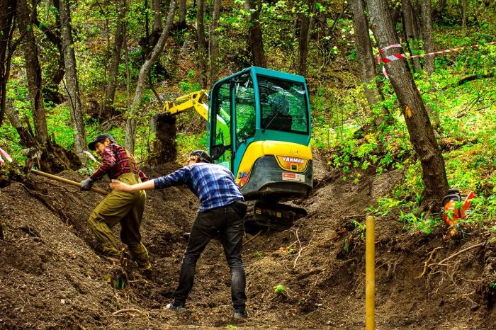 [we are] the road crew: Строительство байкпарка Армхи