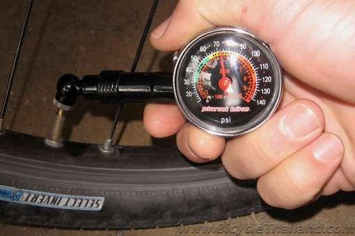 О горном велосипеде: Как определить правильное давление в камерах