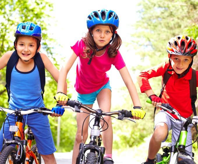О горном велосипеде: Как приучить ребенка кататься в велошлеме