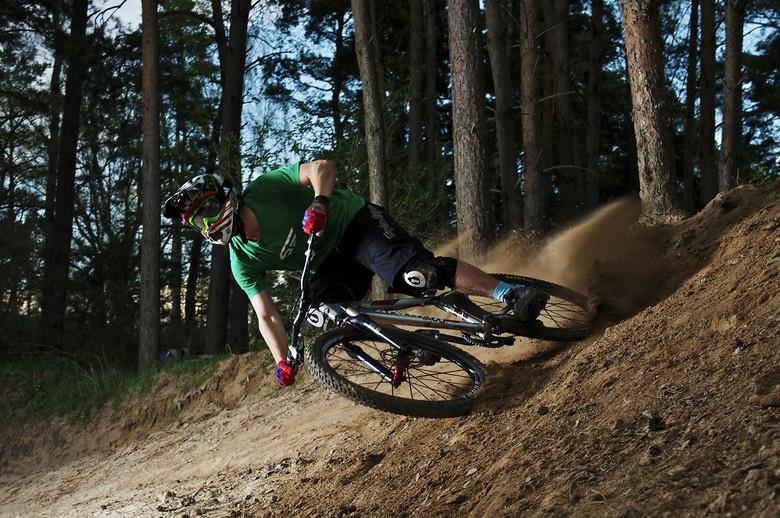 О горном велосипеде: Каким колесом правильно тормозить: передним или задним?