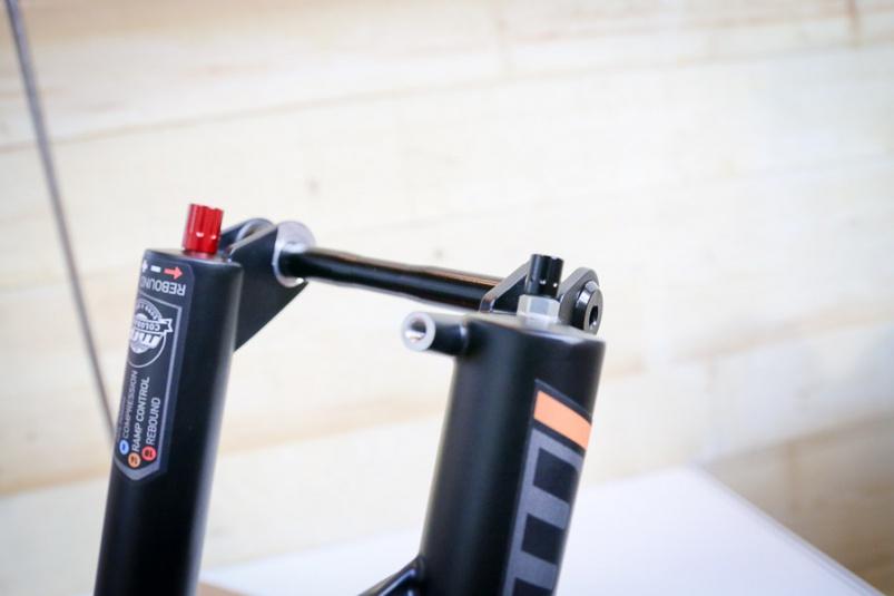 Новое железо: Eurobike 2016: Ленточка на RS Pike от MRP