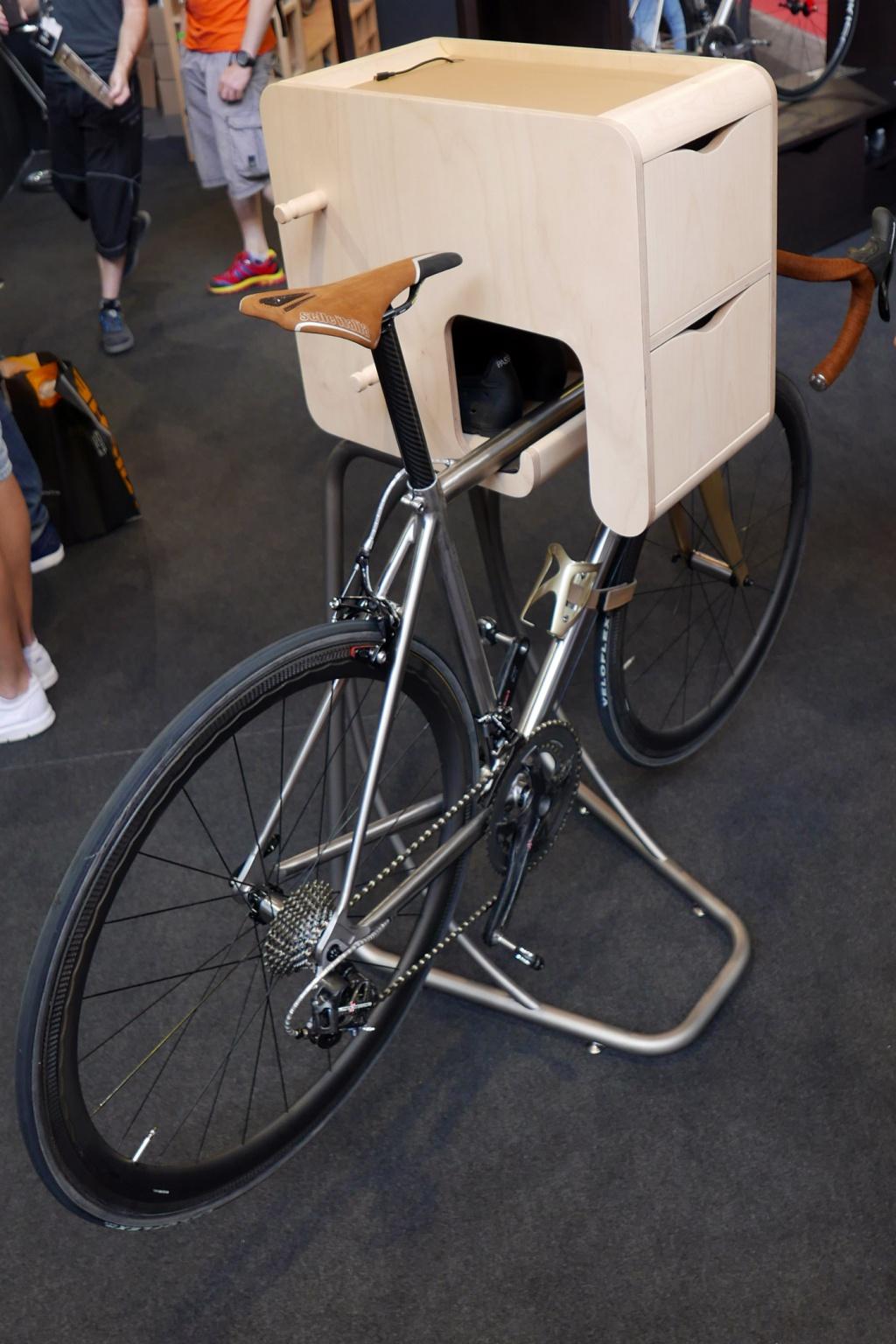 Пятничное: Eurobike 2016: интересные решения для хранения велосипеда от Vadolibero