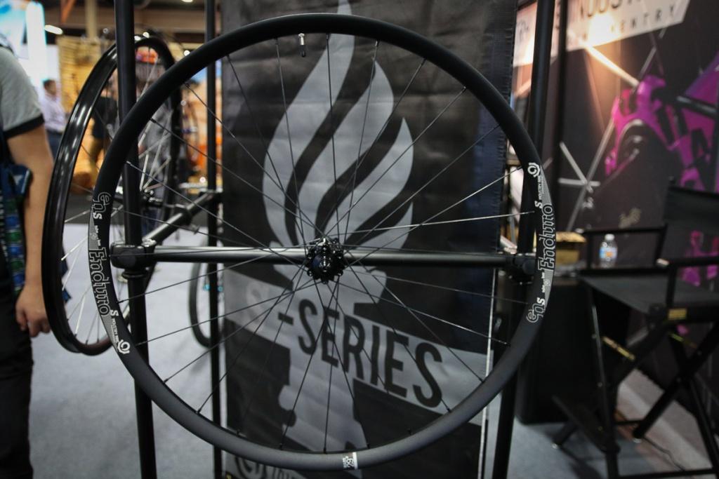 Новое железо: Interbike 2016: Industry Nine конкурирует со Specialized