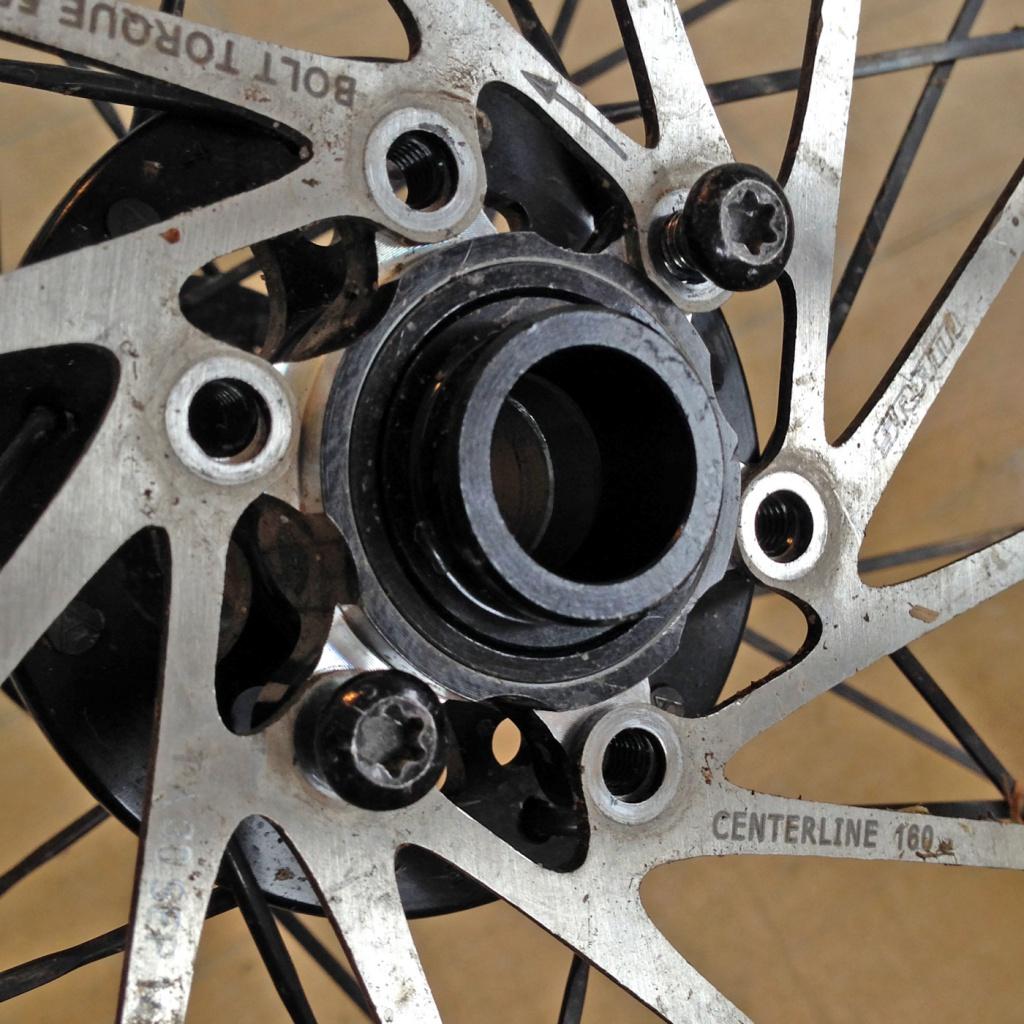 О горном велосипеде: Выбор крепления роторов между стандартами Centerlock и 6Bolt