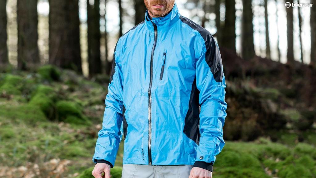 Сравнительные обзоры: Варианты курток в дожди и слякоть