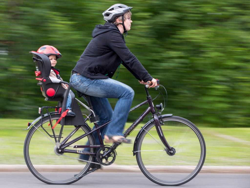 Крепление велокресла к подседельной трубе