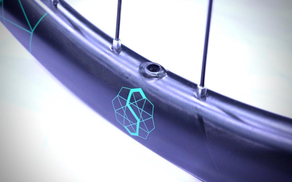 Новое железо: Taipei 2017: Square Root сделали карбоновые колёса доступнее