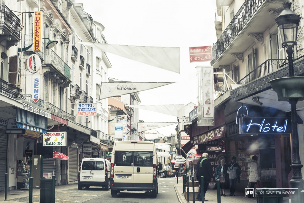 World events: Пешая прогулка по трассе в Лурде