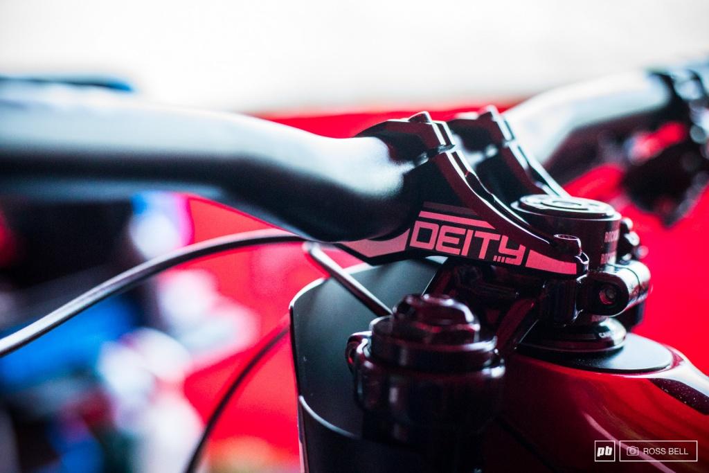Новое железо: Ещё больше велосипедов и компонентов с КМ в Лурде