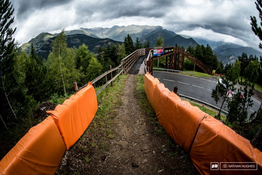 World events: UCI DH World Cup 2017: Пешая прогулка в Валлнорде