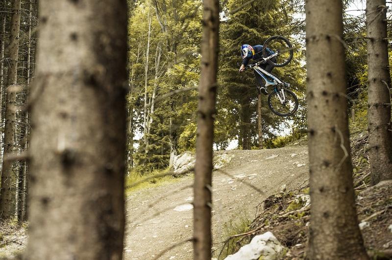 Профайлы и интервью: Martin Söderström: один уикенд, три байк-парка