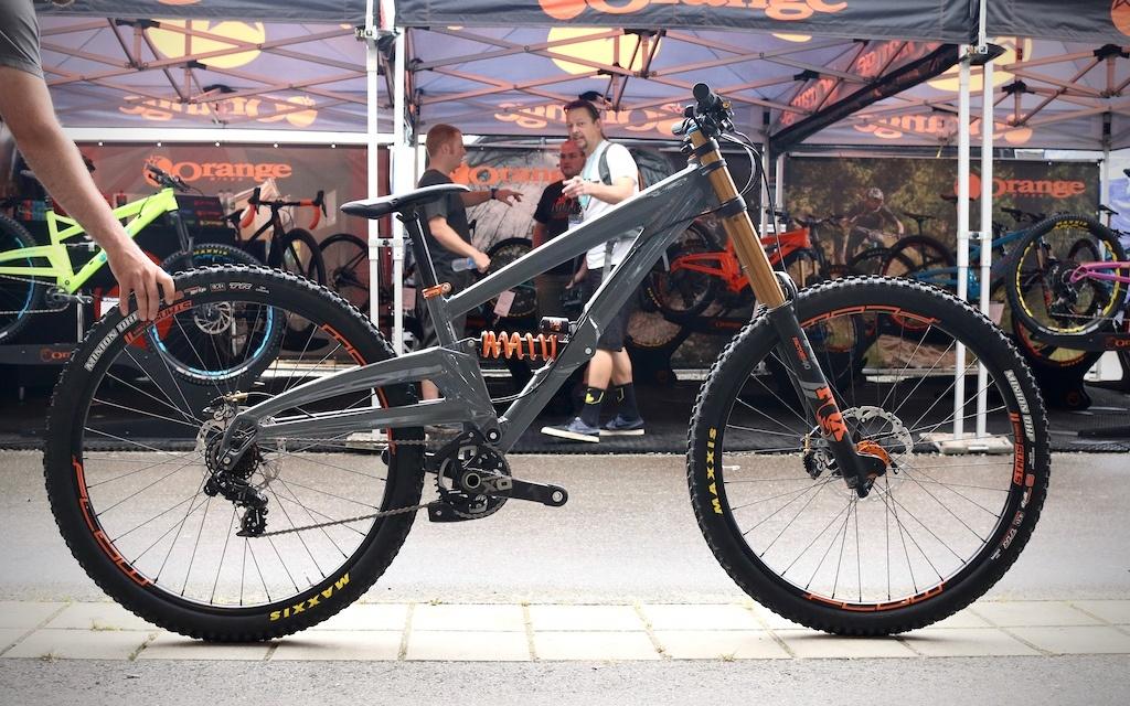Новое железо: Eurobike 2017: Orange представили прототип найнера для дх