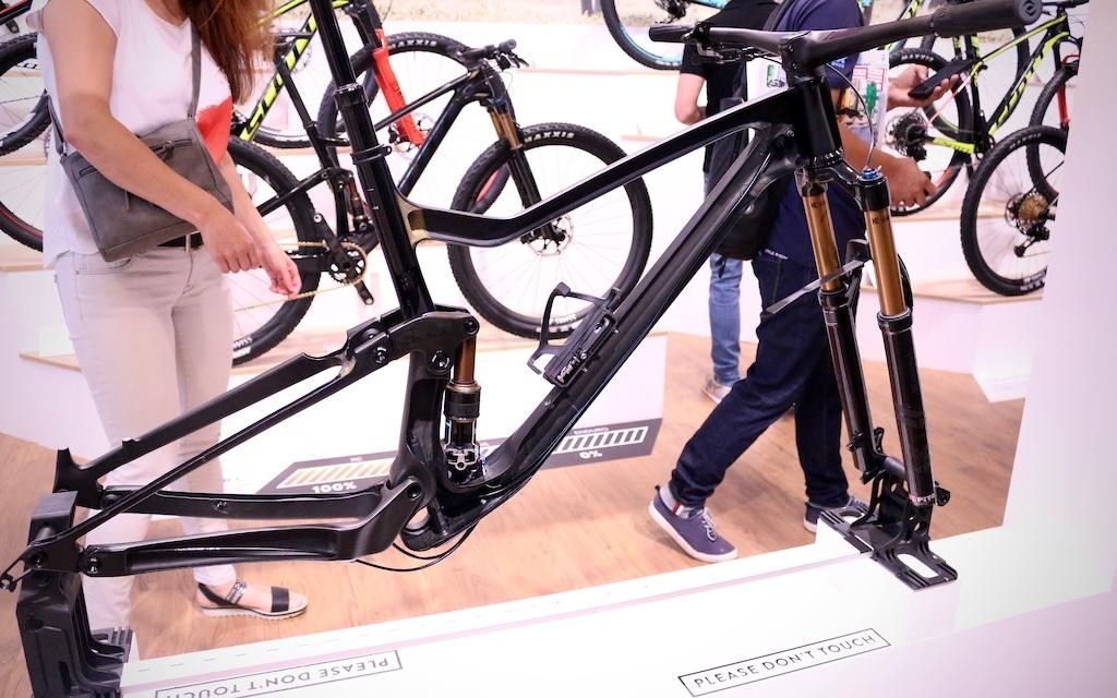 Новое железо: Eurobike 2017: Scott распилили новый Genius