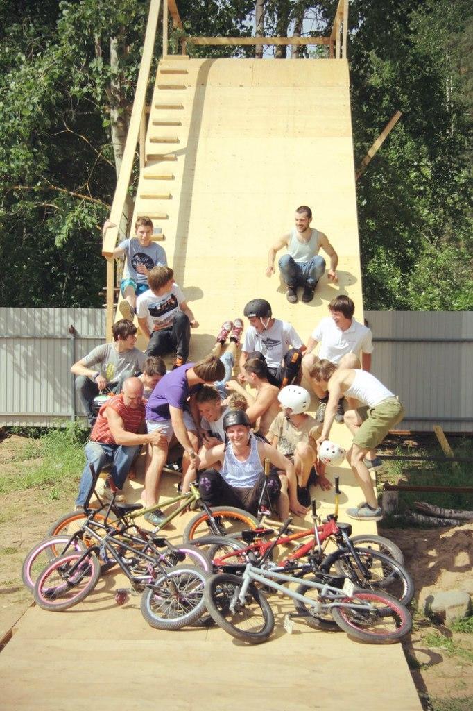 Блог им. AllochkaBondareva: Куда пропал Игорь Шилин, или как открыть свой велоклуб с блекджеком и поролонкой!
