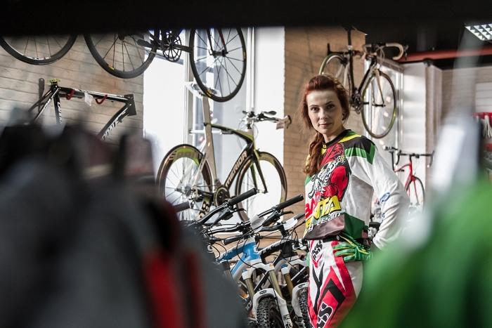 Bad Santa: Девушка и велосипед. Кто кого?