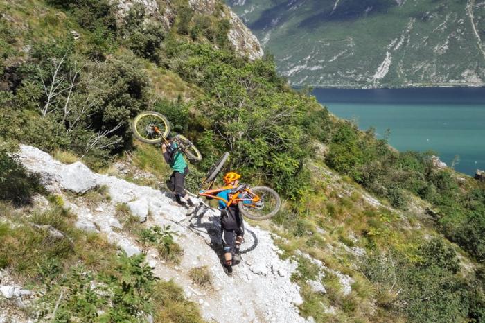 Блог компании Триал-Спорт: Mongoose: Крис Акригг. Поездка в Италию