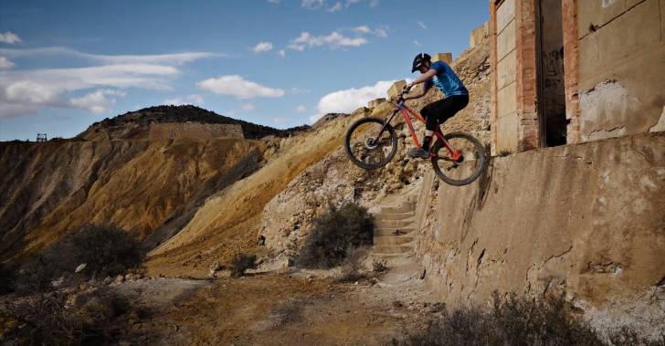 Блог компании Триал-Спорт: Mongoose: Крис Акригг – Семь из семи