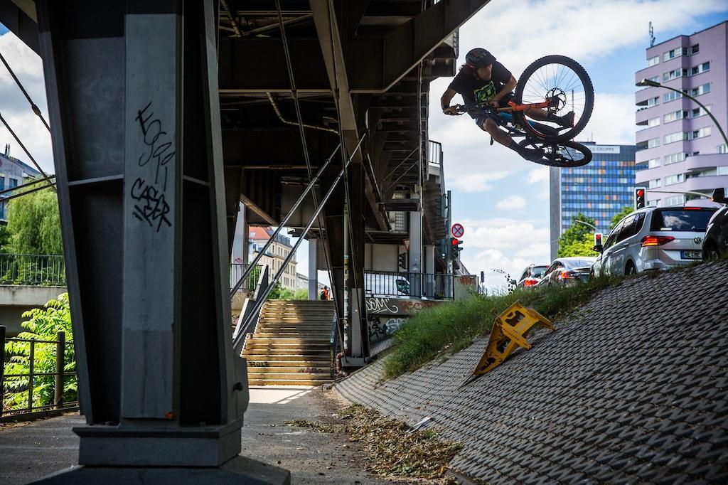 Блог компании Триал-Спорт: GT: Приключения маленького кикера в большом Берлине
