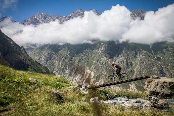 Блог им. EnduroKotuk: Бросил работу, жену, детей и уехал в горы. Часть 1.